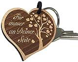 "Endlosschenken - Llavero de madera en forma de corazón con  grabado en alemán ""Für immer an Deiner Seite"", ideal como regalo"